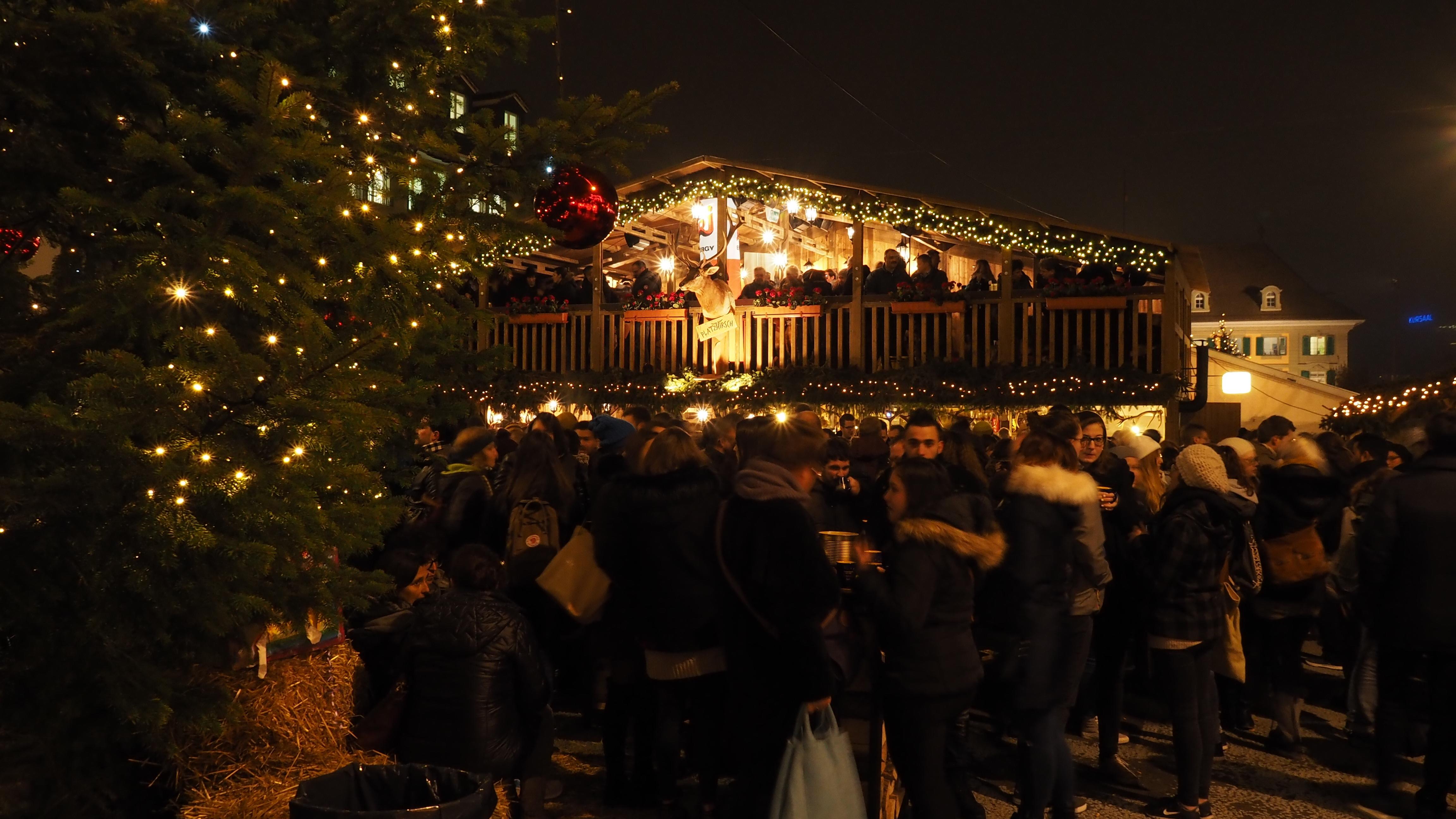 Das Weihnachtsmarkt.Weihnachtsmarkt Waisenhausplatz Bern Bern Welcome