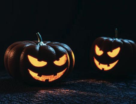 Grosses Halloween-Kürbisschnitzen