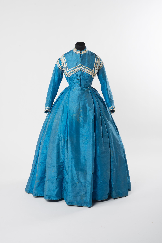 Dresses - 250 Jahre Mode in der Schweiz