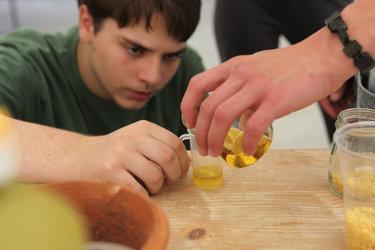 Salben und Öle in der Antike