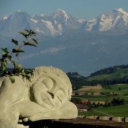 KlosterSkulpturenAusstellung: Detail der Ruhenden von Barbara Bösch